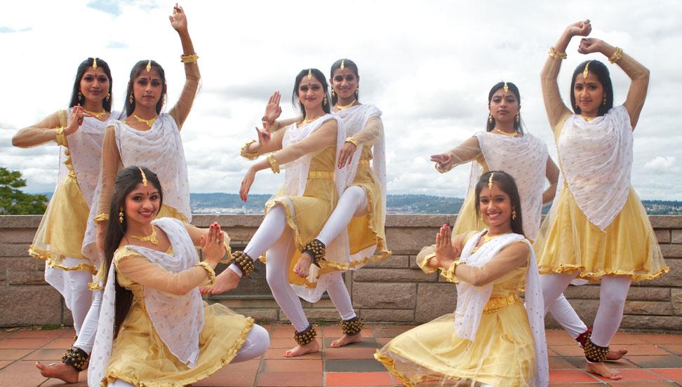 2b9fff3018d1 Devi Costumes Vadakkanthara